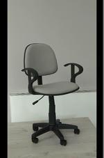 разнообразие на офис стол с ниска облегалка